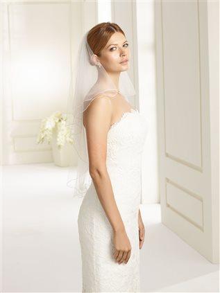 bianco-evento-bridal-veil-s70-(1).jpg